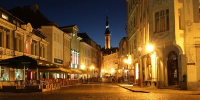 Old-Town-Tallinn-by-Mark-Litwintschik-530x265